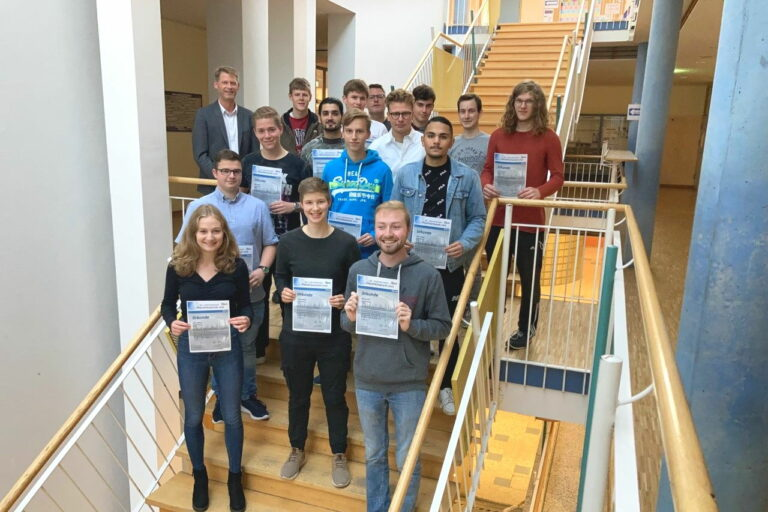 Erfolgreiche Teilnahme der Winfriedschule an der internationalen Physikolympiade
